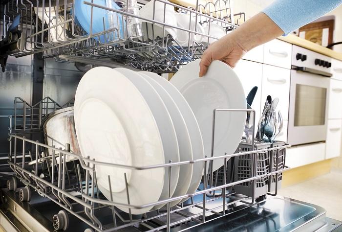using dishwasher for plates