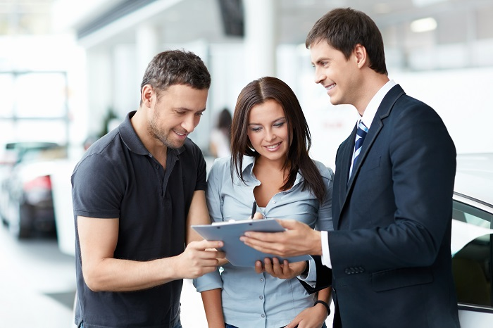 sales agent and customers